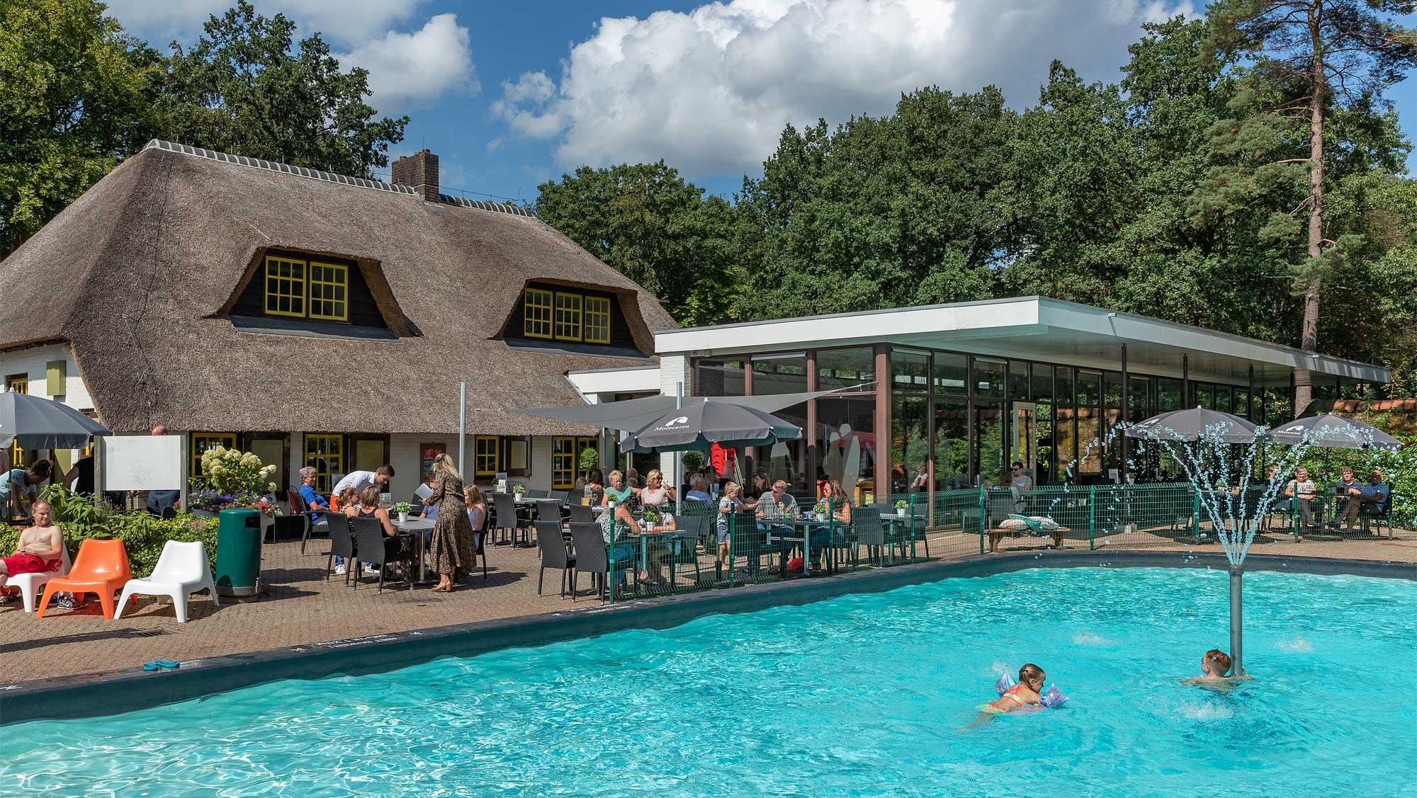 Molecaten Park De Leemkule 16 buitenzwembad