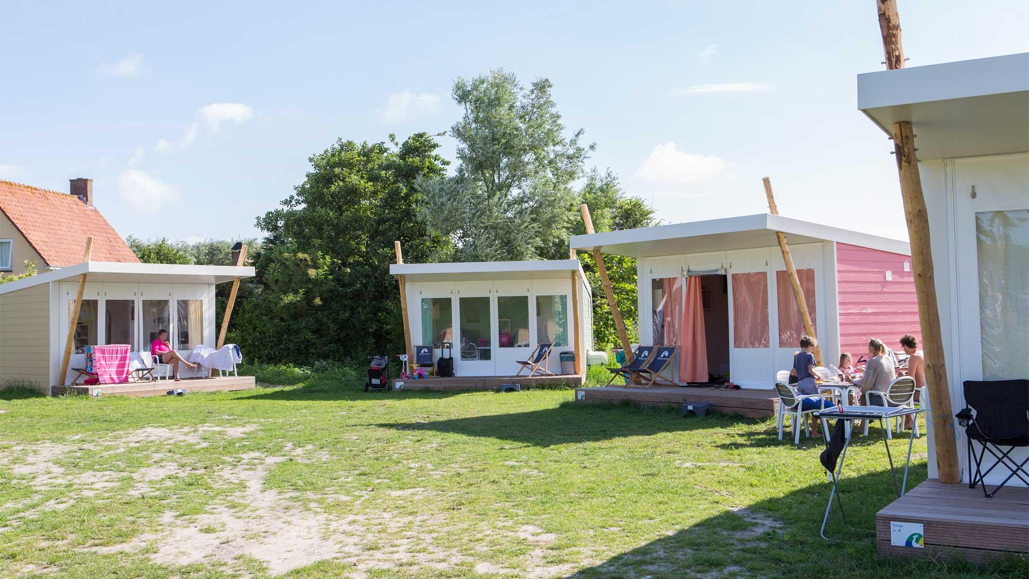 5pers kampeer cabin Hommel Molecaten Park Hoogduin 01