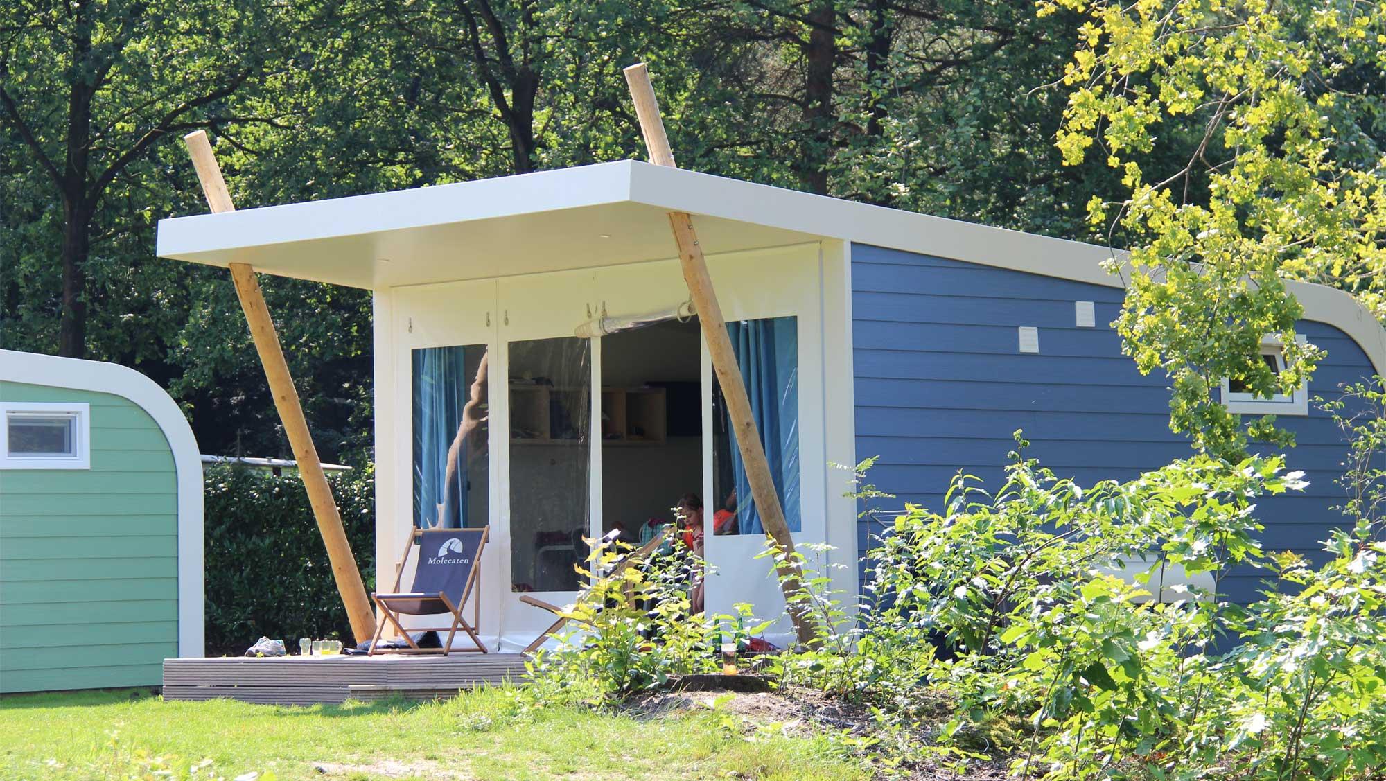 5pers kampeer cabin Vlinder Molecaten Park De Koerberg 01