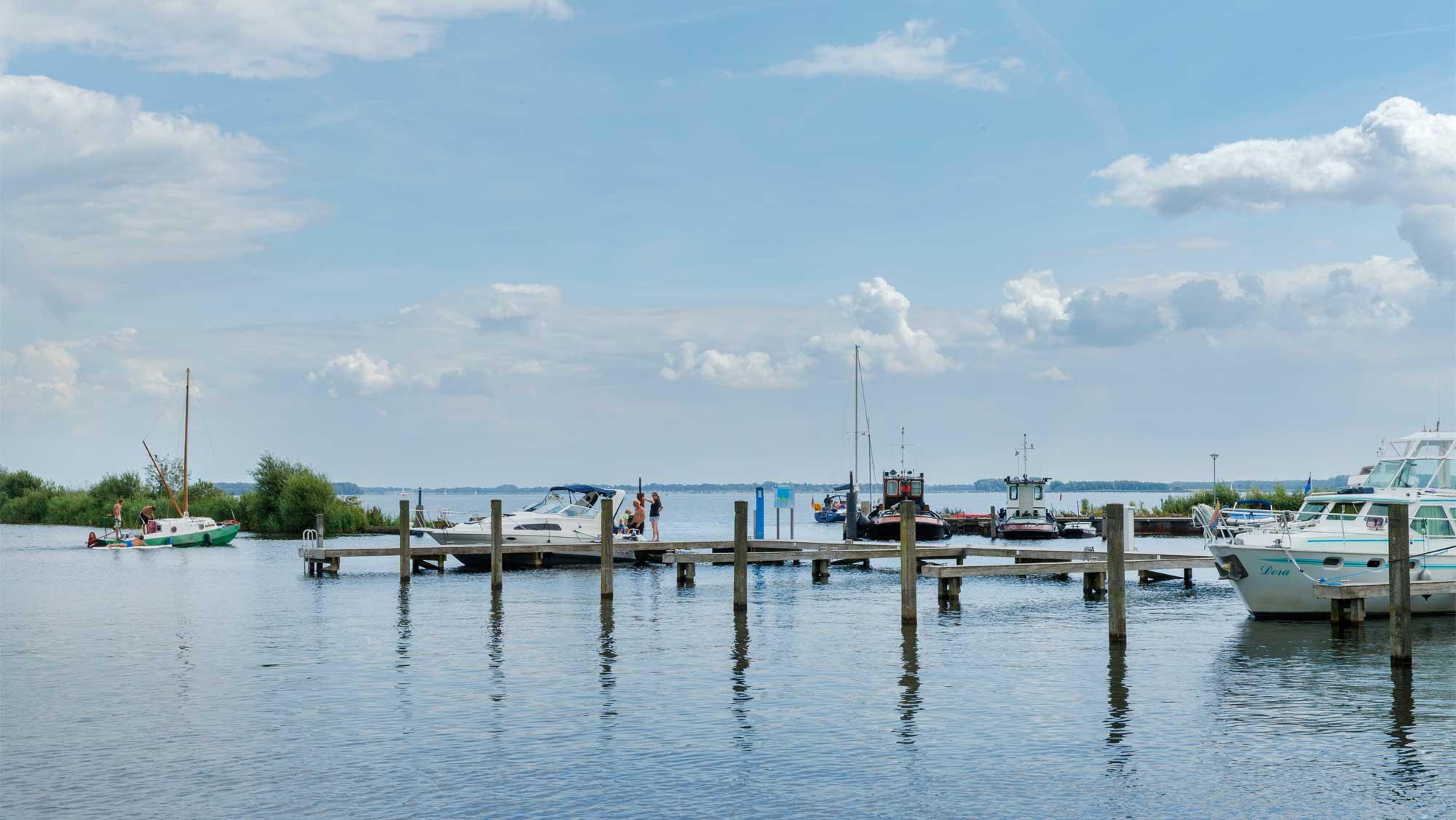 Jachthaven Molecaten Park Flevostrand 01